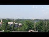 Желто-голубой Ми-24 заходит на колорадские цели, Донецк 26.05.2014